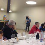 O presidente, Miguel R. Penas, dá a bem-vinda ao jantar