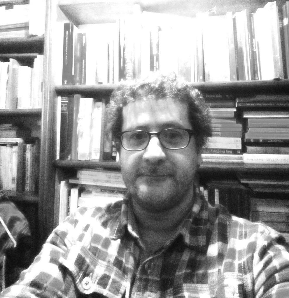 Os livros fazem parte da vida do Ernesto