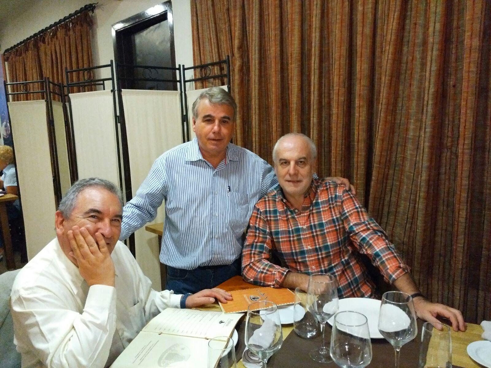 Com o seu ajudante Moncho Campos e o Diretor do Instituto de Historia de Cuba, Sergio Campos Villaboy, filho de galegos