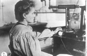 marie-curie-no-laboratorio1