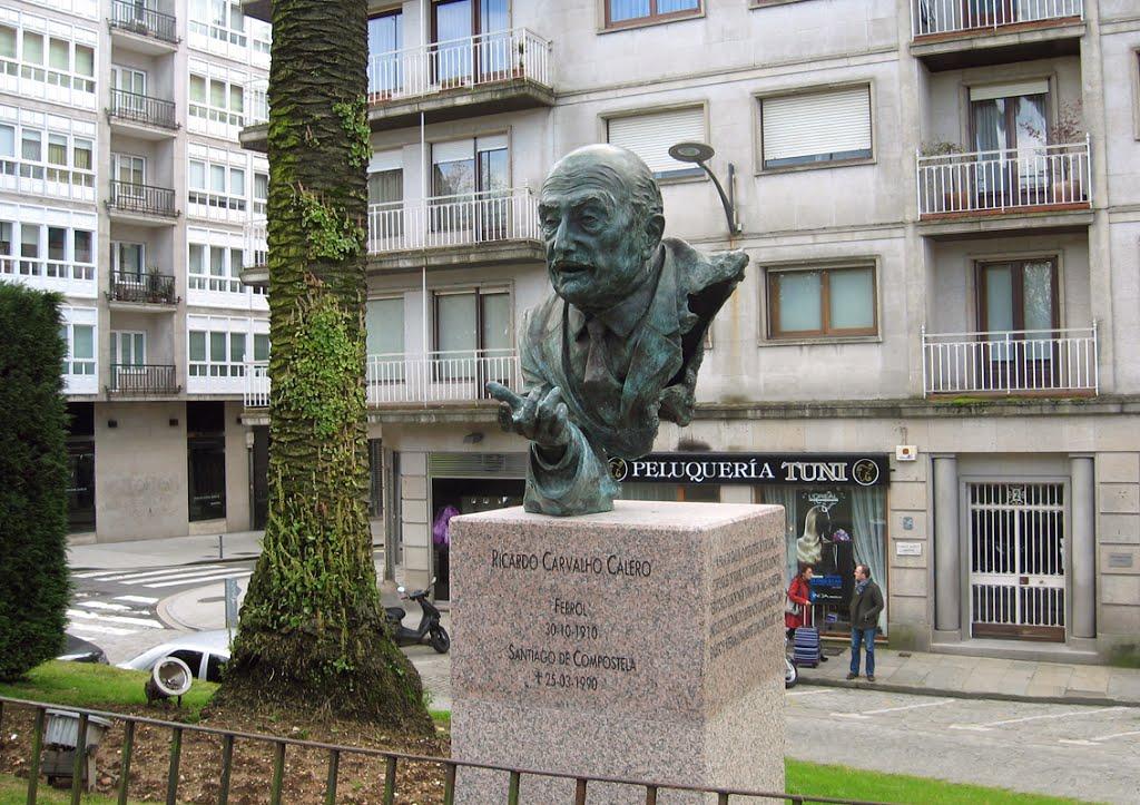 Estátua Carvalho Calero (Compostela)