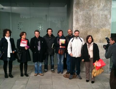 Sindicatos do ensino entregam em 2010 petição de criação de vagas de português