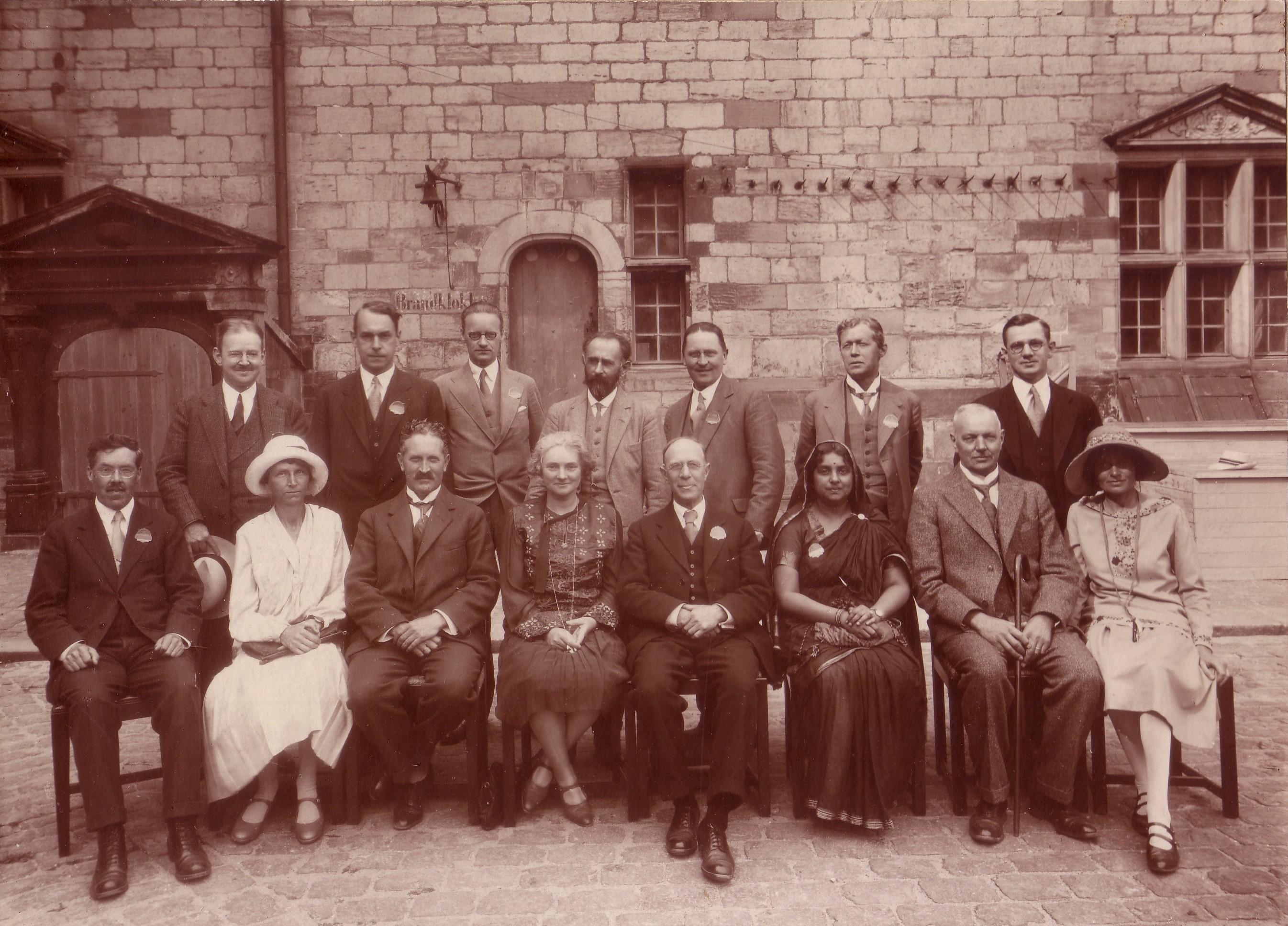 BEATRICE ENSOR e os fundadores da «World Education Fellowship» (1921)