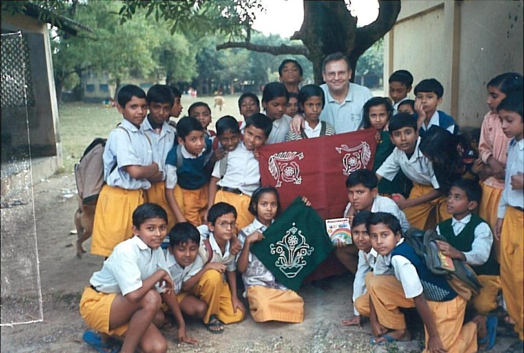JPAZ na escola rural tagoreana de Siksha Sotro