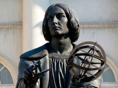 estatua copernico